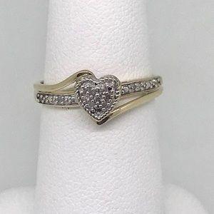 NWT .10 ctw diamond heart ring in 10kt YG